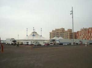 Circo instalado junto al Palacio de Congresos
