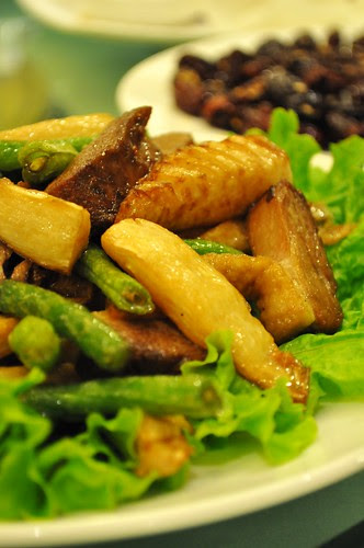 smoked duck with bamboo shoots