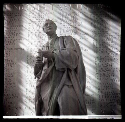Sir Isaac Newton by pho-Tony