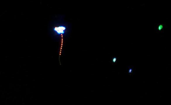 Night kites with LEDs. (Credit: http://malaysiaflyingherald.wordpress.com)