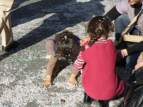 ramassage des confettis