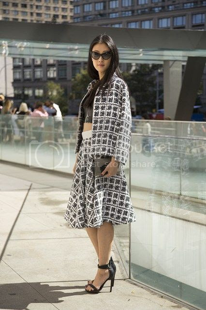 photo Justine-Lee-new-york-fashion-week-street-chic-vogue-8sept13-dvora_426x639_zpsda70e8e5.jpg