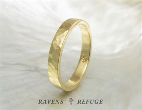 hammered 18k gold ring ? 3mm wedding band   Ravens' Refuge