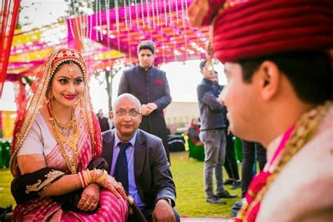 Kashmiri Wedding Photography. Story of a Kashmiri couple
