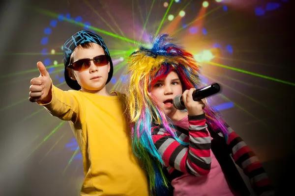 Niños de la discoteca — Foto de Stock #51515423
