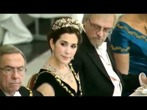 vídeo del esposo de la presidenta de Finlandia mirándole el escote a la princesa Mary de Dinamarca