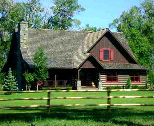 Alicias House in Montana with Rustic EnglishCountry Style  Hooked on Houses