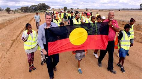 Woorabinda community commemorates 90th anniversary trek   NITV