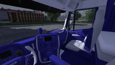 2013-10-12-Iveco-Hiway-Blue-White-Interior-2s