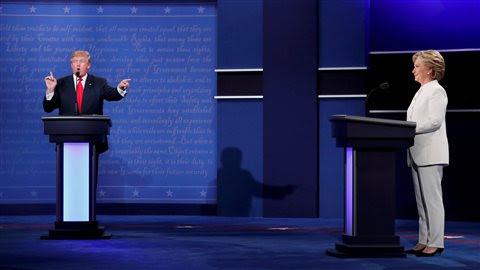 Les candidats à la présidentielle Donald Trump et Hillary Clinton lors du troisième et dernier débat, le 19 octobre 2016