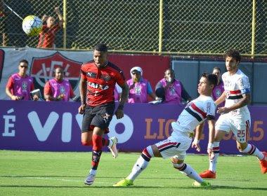 Com gols no segundo tempo, Vitória bate o São Paulo no Barradão