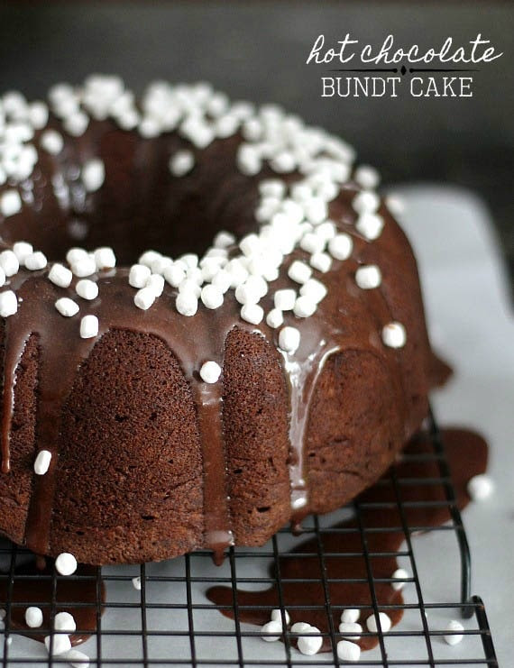 Hot Chocolate Bundt Cake with mini marshmallows from Cookies and Cups | Friday Favorites at www.andersonandgrant.com