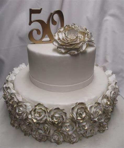 17 Best ideas about Anniversary Cake Designs on Pinterest
