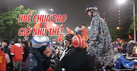 Huế Đi Bão Mừng Việt Nam Vô Địch Chung Kết Lượt Về Chưa Bao Giờ Chật Kín Như Thế