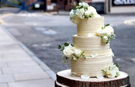 RECIPE: Three tiered vegan wedding cake   Vegan Food & Living