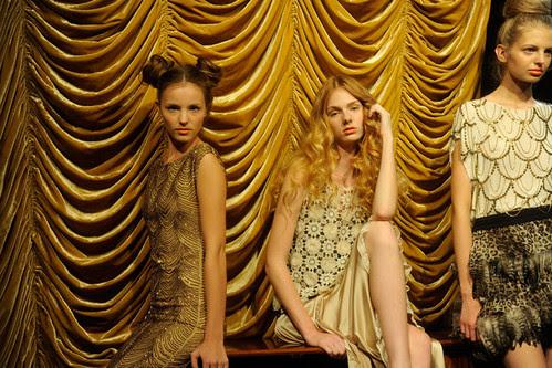 Alice+Olivia+Presentation+Spring+2011+MBFW+bHsdbuaJFuwl