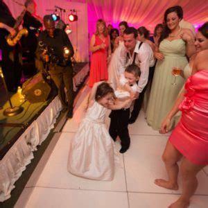 Boss Performs At Alex & Geoff?s Wedding   Sagamore Resort