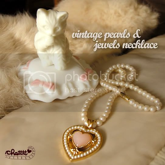 vintage pearls and jewels necklace
