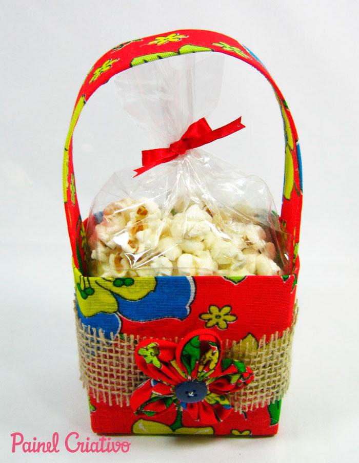 passo a passo lembrancinha festa junina cestinha porta guloseimas reciclagem caixinha leite chita (1)