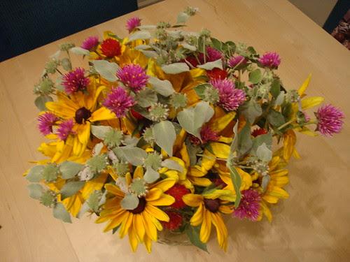 farmer's mkt flowers 8/4/11