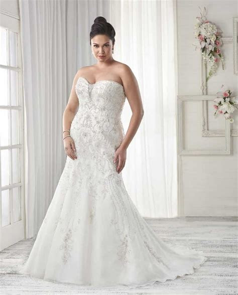 10 Stunning Plus Size Wedding Dresses, Tips & Advice