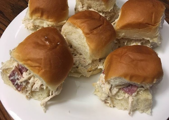 Step-by-Step Guide to Prepare Favorite Crockpot Chicken Bacon Ranch sliders