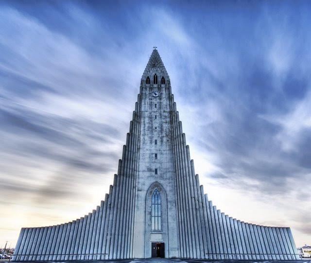 24-33-Worlds-Top-Strangest-Buildings-caldari