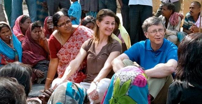 Bill y Melinda Gates durante un viaje a la India en 2011.-BILL AND MELINDA GATES FOUNDATION