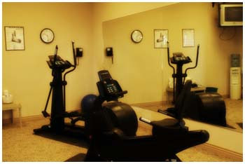 Le Ritz Hotel Fitness Room ::