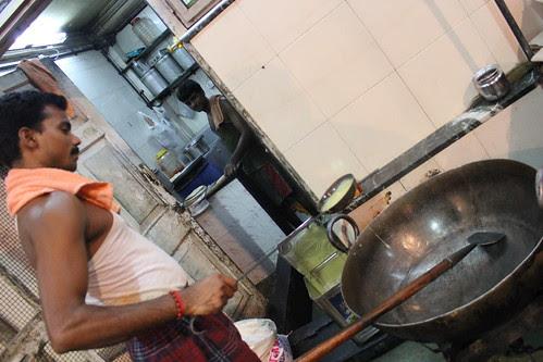Hamari Politics Hai Kadaie Sab Neta Apas Main Garam Hote Karte Ladie .. by firoze shakir photographerno1
