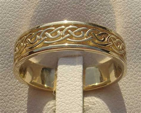 Best 25  Celtic wedding bands ideas on Pinterest   Celtic