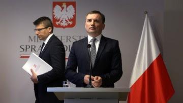 """""""Profesor Królikowski nie jest pracownikiem Kancelarii Prezydenta"""". Łapiński o pracach nad ..."""