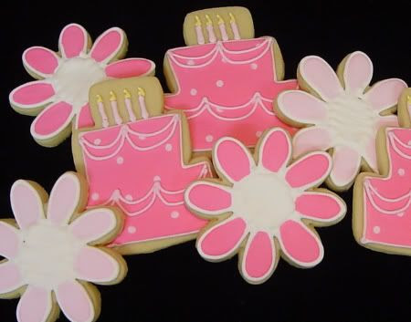 pink cakes and daisies