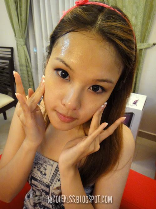 massage gel into face