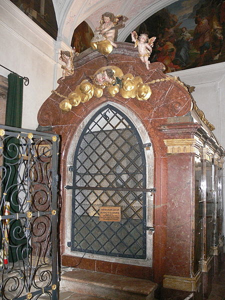 Inside the Baroque house contains the cell of St. Wolfgang, inshrined in Sankt Wolfgang Church in Salzkammergut.