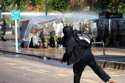 Marcha estudiantil 30 de Junio, Santiago. by Manuel Venegas