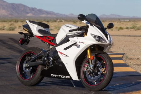 Trending Now Germany: Top 2013 Triumph Daytona 675R Review - First Ride