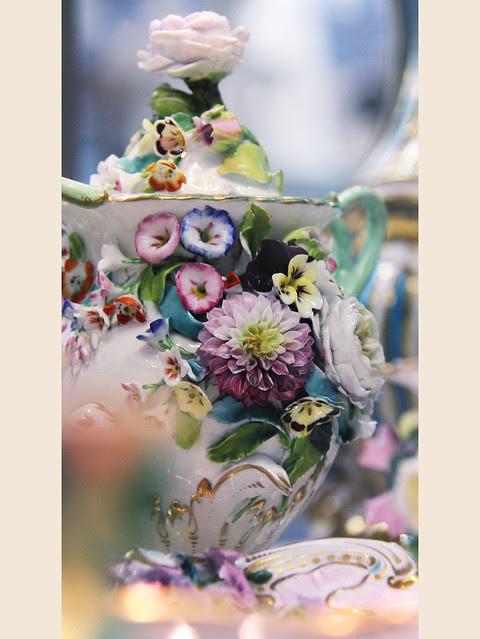 Flower ceramic