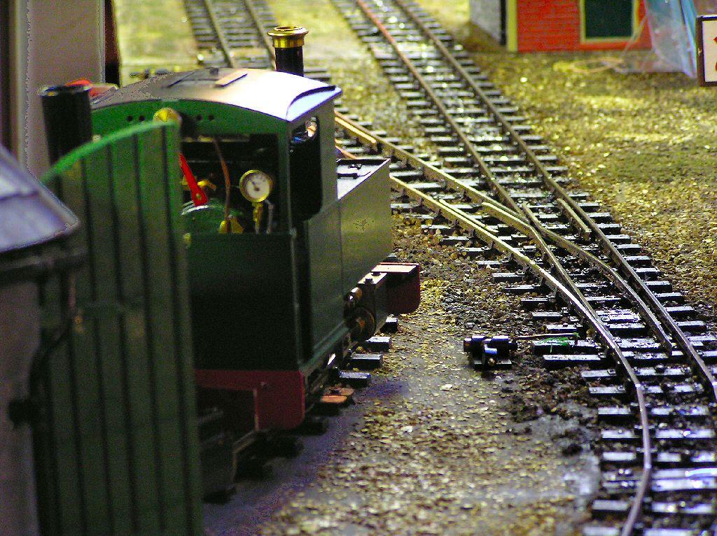 Garden model railway G Gauge 16mm scale narrow gauge ...
