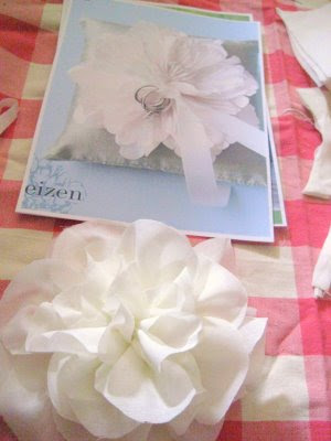 Mrs. Perfume's DIY Ring Pillow: From Martha to Mom :  wedding ring pillow diy ring pillow with flower center Blossom