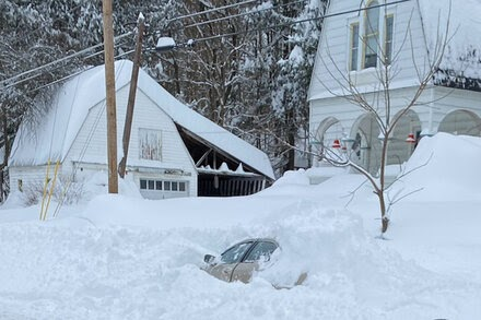 TREND ESSENCE:Buried Under Snow in a Car for 10 Hours. Who Would Come to the Rescue?