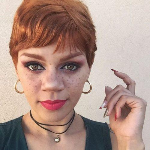 Pixie Cut Mit Rote Haare Für Rundes Gesicht Allefrisurende