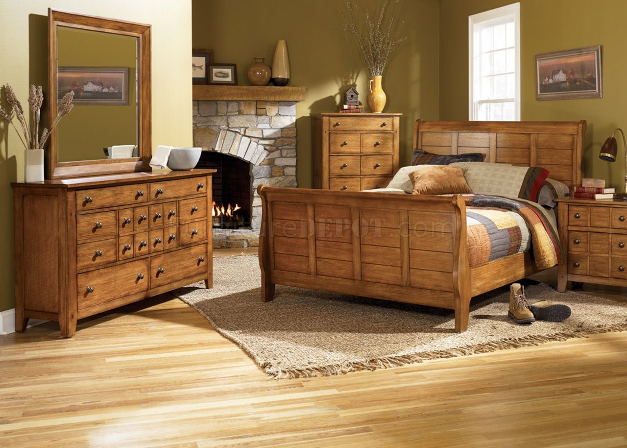 Rustic Oak  Finish Traditional Sleigh Bed w Optional Case Goods