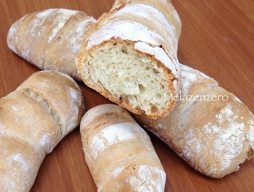 Pane di semola e farina 0 con lievito madre