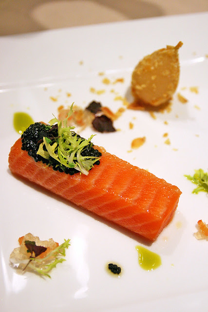 Full a la carte portion: Sous Vide 48°C Ocean Trout with Sustainable Caviar & Prosecco Pear Crushed Almond, Vine Tomato Jelly & Garden Cress