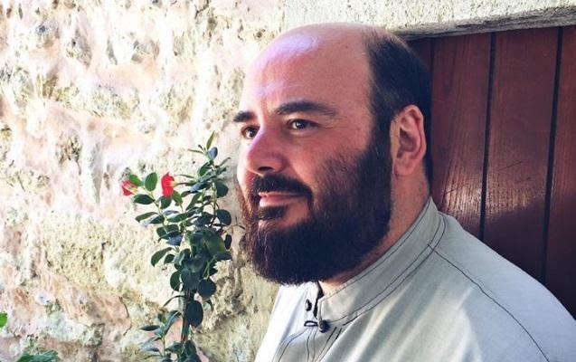 Ιερέας που ζει στην Κρήτη: Συγχαρητήρια στον γιο μου!Δεν πέρασε πουθενά!