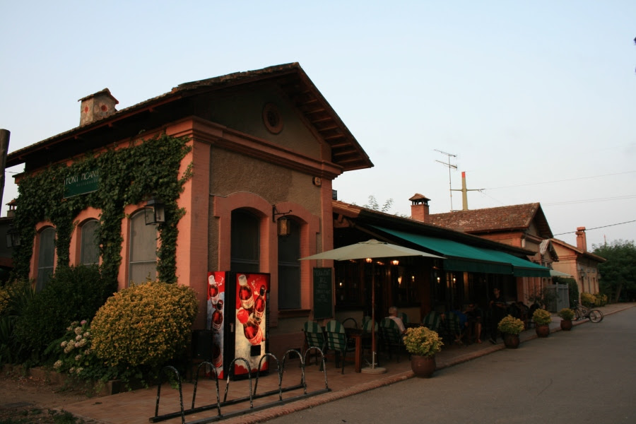 Estació de l'antic Carrilet a la Font Picant – Bell-lloc