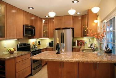 Custom Kitchen Remodeling Design Ideas and Photos - New Kitchens ...