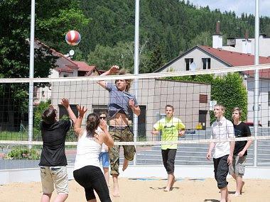 plážový volejbal na náměstí
