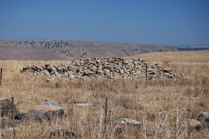 Túmulos (montículos) - un tipo diferente de Dólmenes